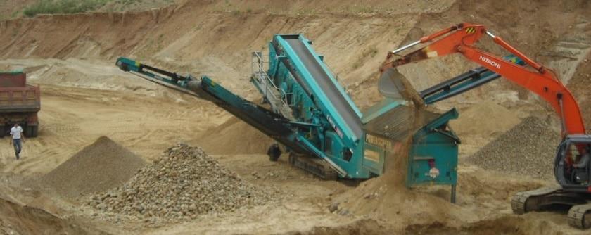 Песок с карьера: особенности добычи