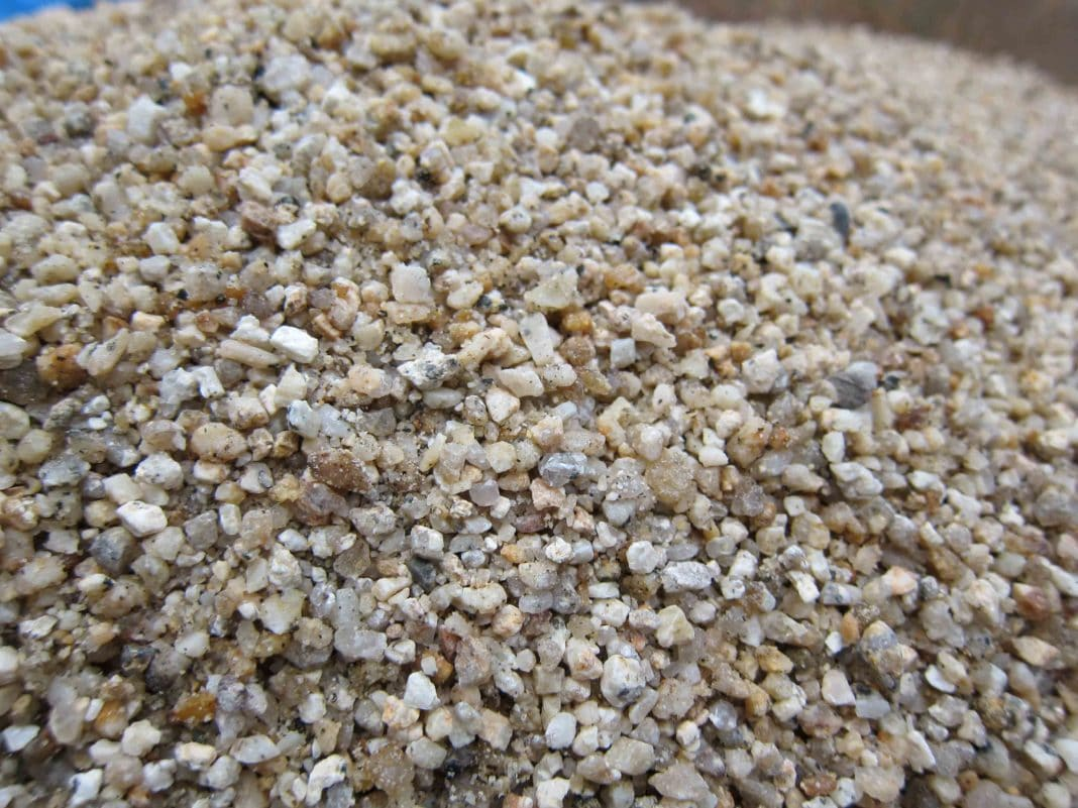 нужен песок речной