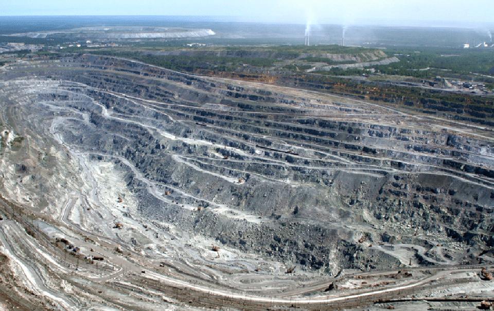 В карьере «Ураласбеста» идет подготовка к возведению дробильно-сортировочной установки