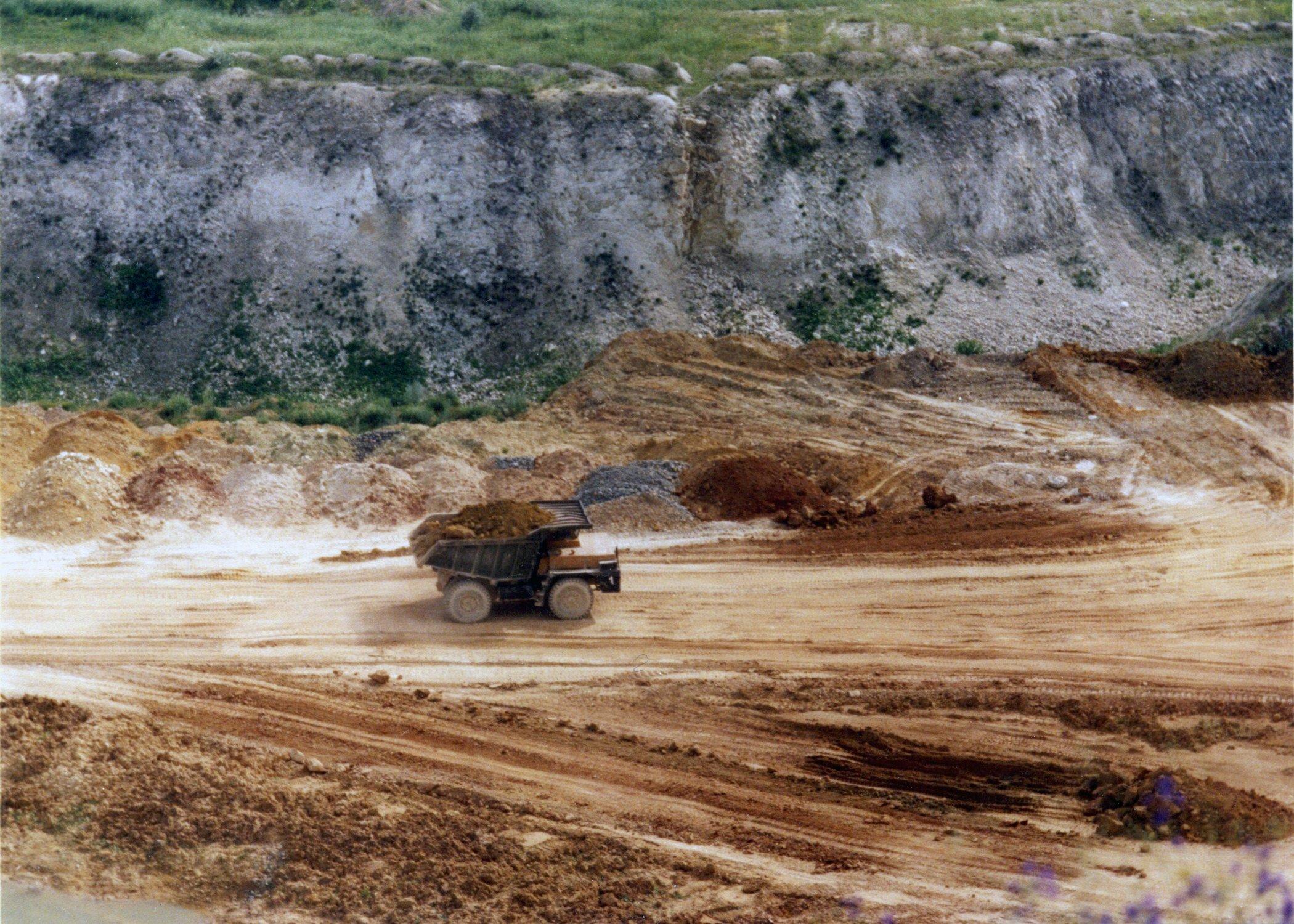 Добыча глины: где и как происходит, как получить лицензию?