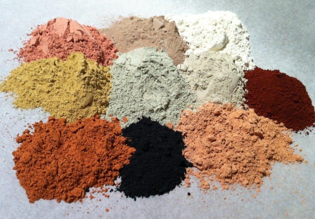Как правильно подобрать цвет косметической глины для ухода за кожей?
