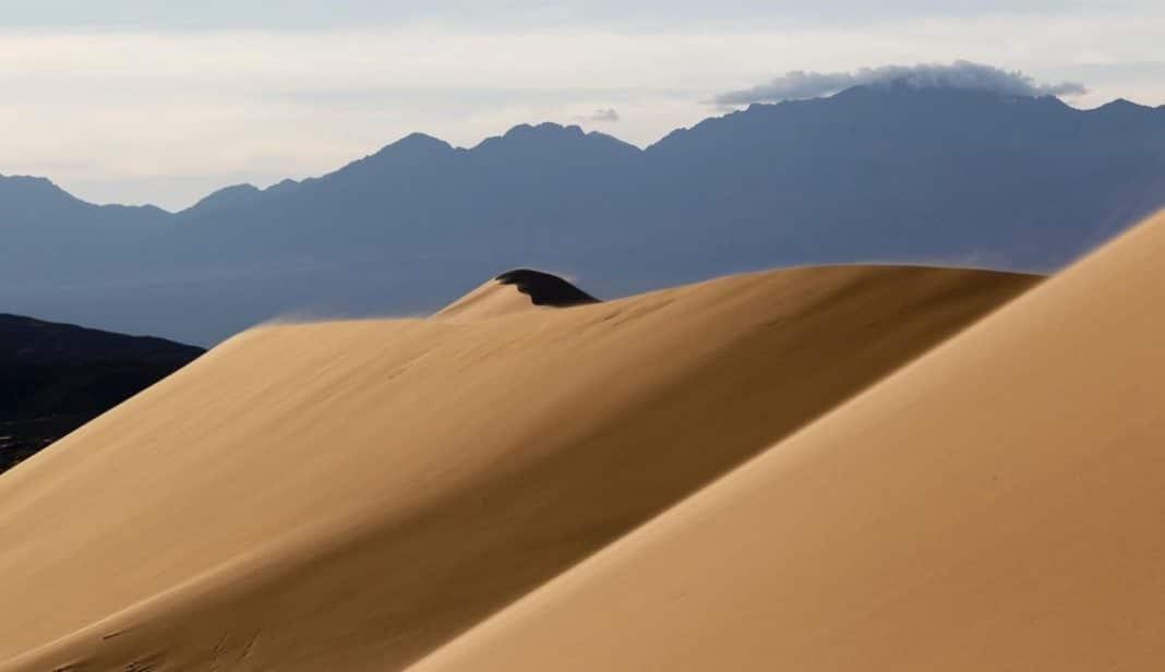 Поющие пески, как удивительное и до сих пор необъяснимое явление природы