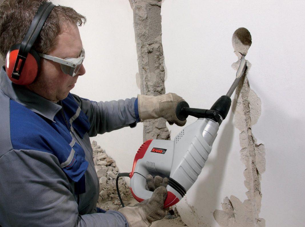 Что делать, если бур застрял в стене?