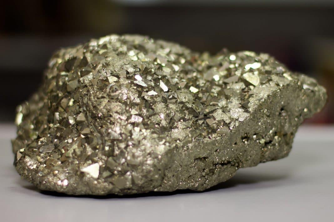 Пирит камень
