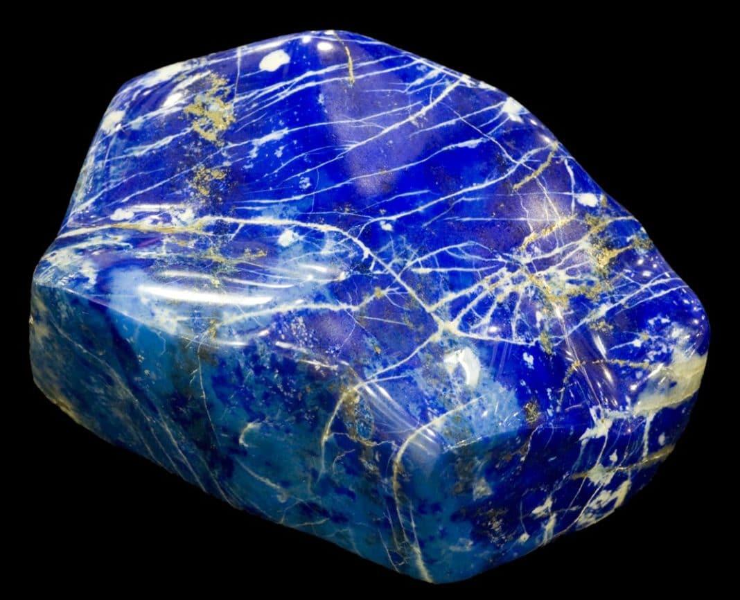 Синий камень: свойства, виды, как применяются
