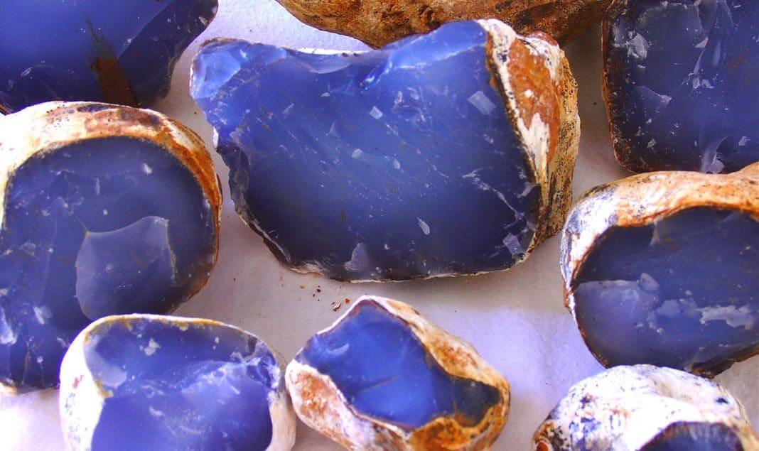 Камни-талисманы для тех кто был рожден в мае