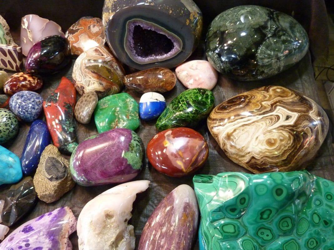 Камни-талисманы рожденных в октябре