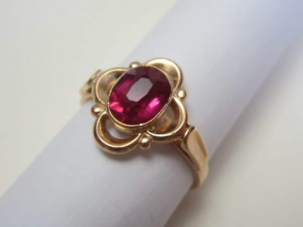 Кольцо с рубином