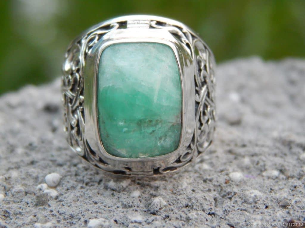 Перстень с бериллом