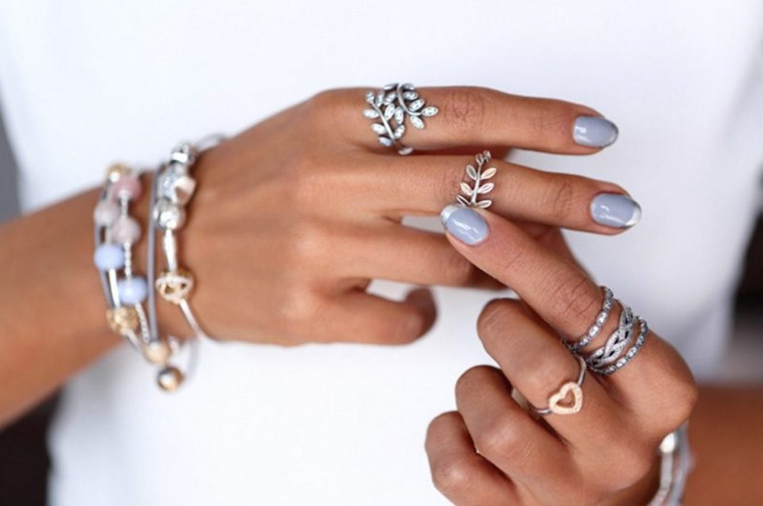 Как носить кольца из серебра?