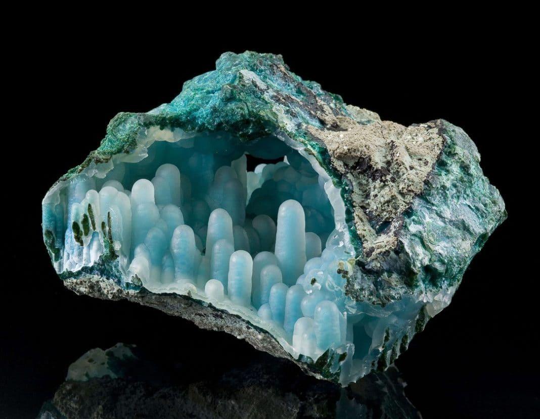 Халцедон камень