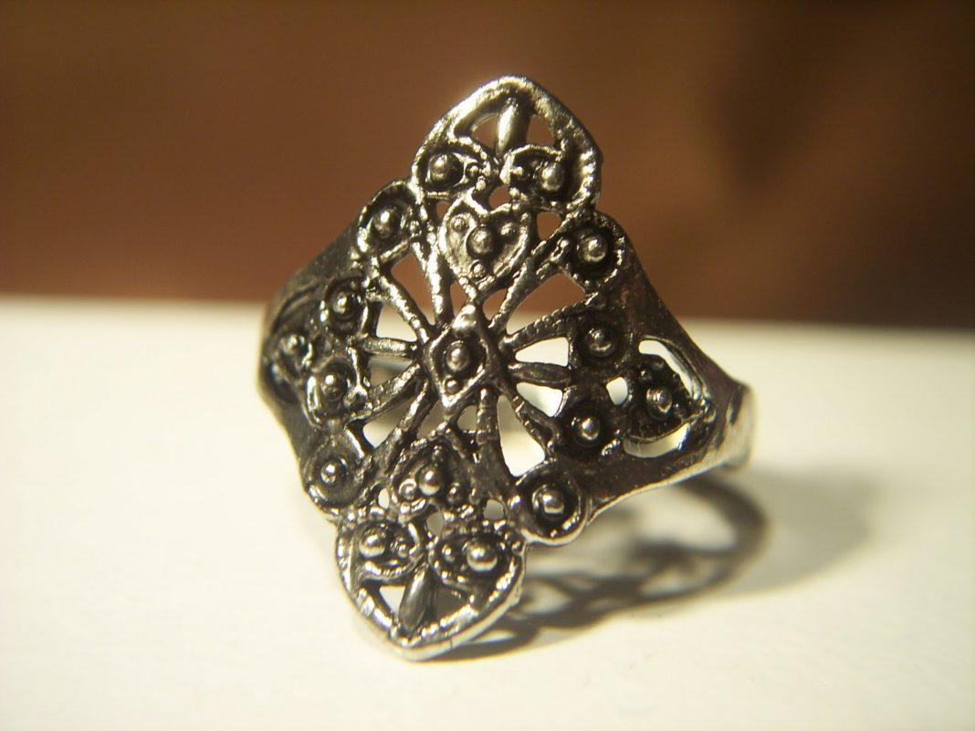 Стоит ли покупать «тибетское серебро»?