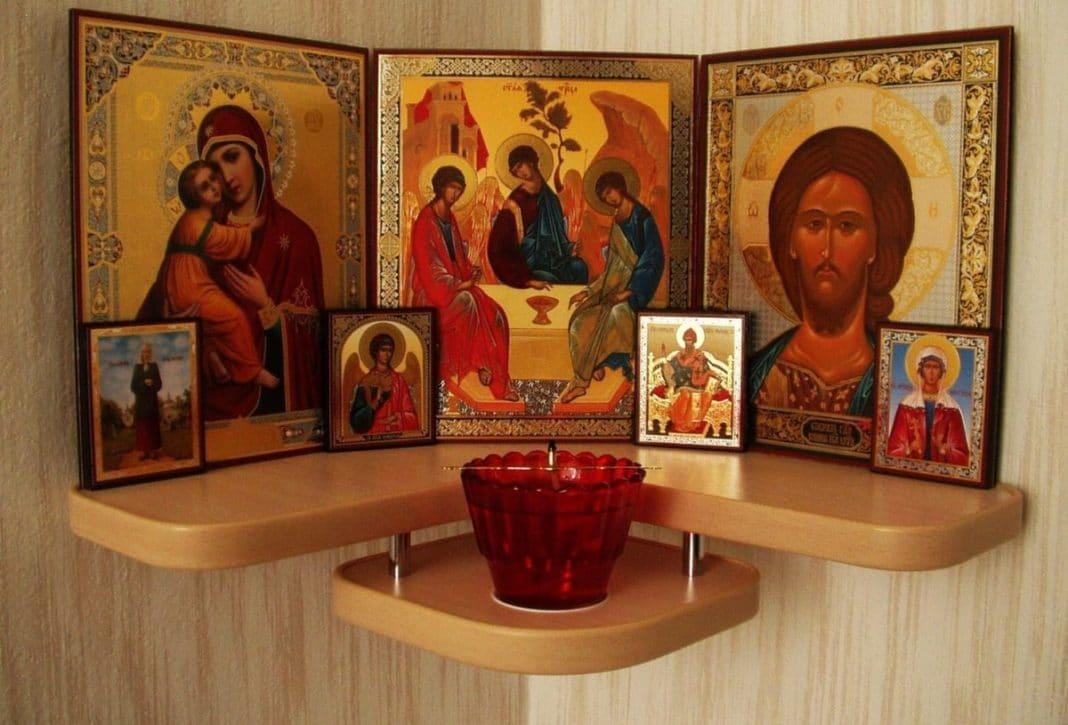 Домашний иконостас: как расположить его в доме правильно?