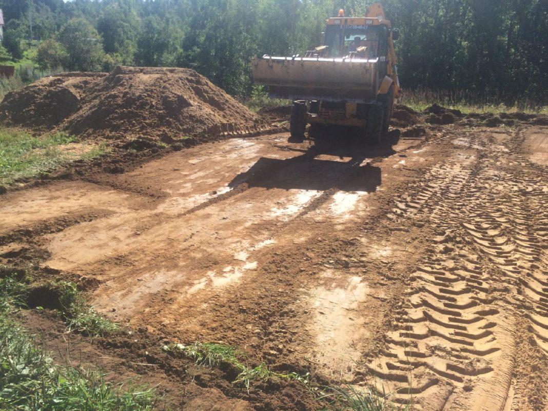 Снятие слоя почвы